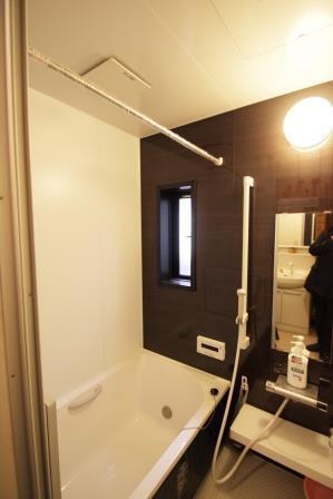 1日の疲れを癒す安らぎの浴室