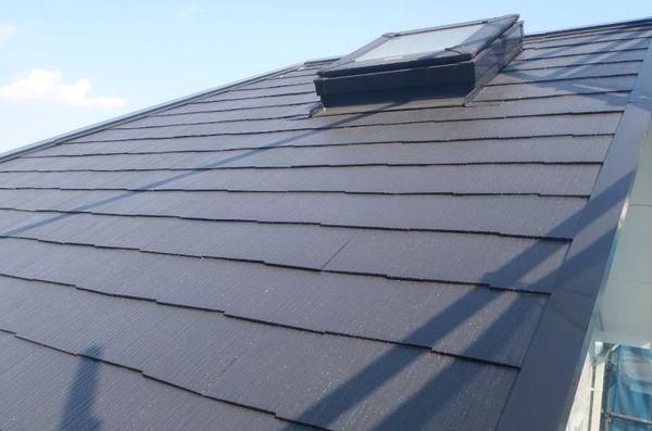 色褪せのないきれいな屋根に