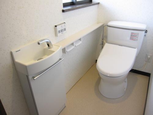 ボッタン便所から清潔感のあるトイレへ