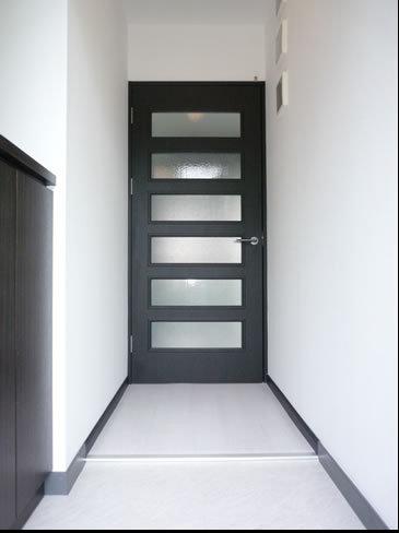 白床の洗練された廊下