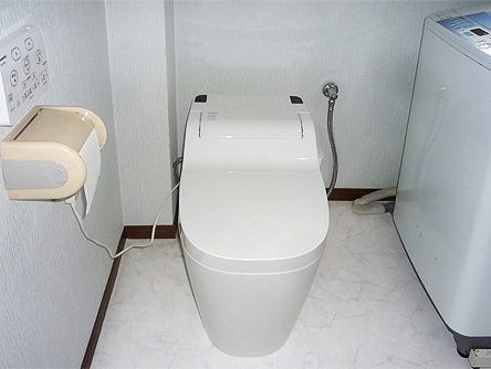 スッキリとした印象のトイレ