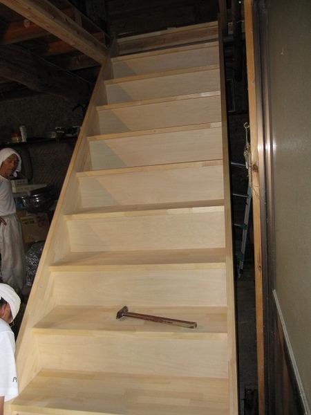 安全に行き来出来る階段を