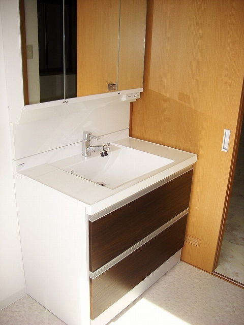 スマートな洗面化粧台