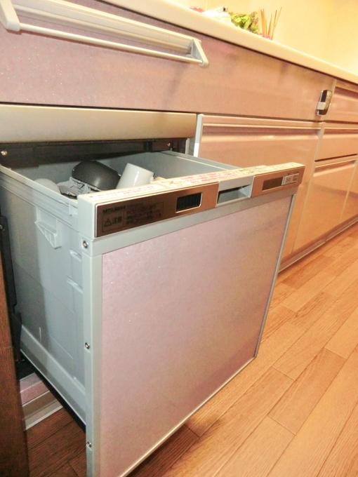 何かとあると便利な食洗器、リフォームを機に置き型から備え付けの物に!
