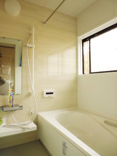 住みながら戸建リフォーム、浴室、トイレ、洗面室で113万円!