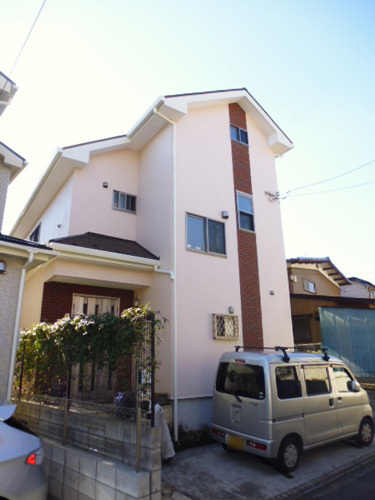 戸建の外装塗り替えで明るくイメージアップ112万円!