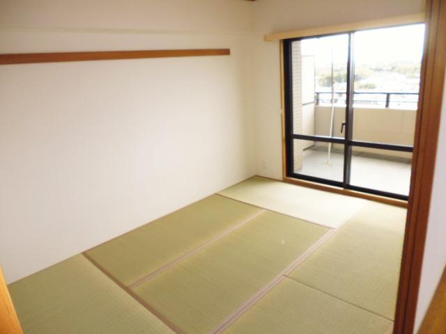 和室6帖のクロス、畳、襖の張替7万円!