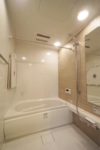 浴室乾燥機・保温浴槽・乾きやすい床のシステムバス75万円