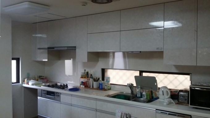 清潔感のある広々キッチンにリフォーム