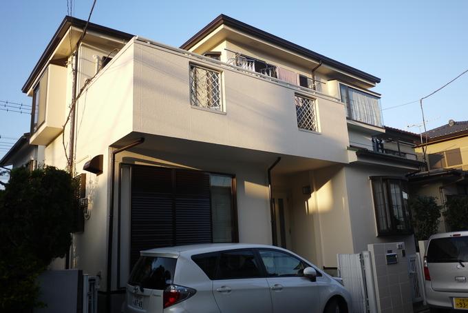屋根・玄関の色を変えてイメージチェンジ!