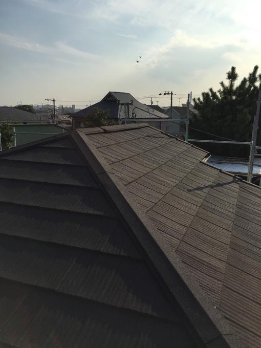 耐久性抜群のスタイリッシュな屋根葺き替え工事