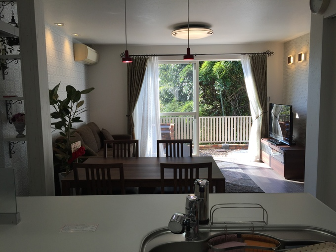 LDKから望むイングリッシュGardenが素敵なカフェ風住居!