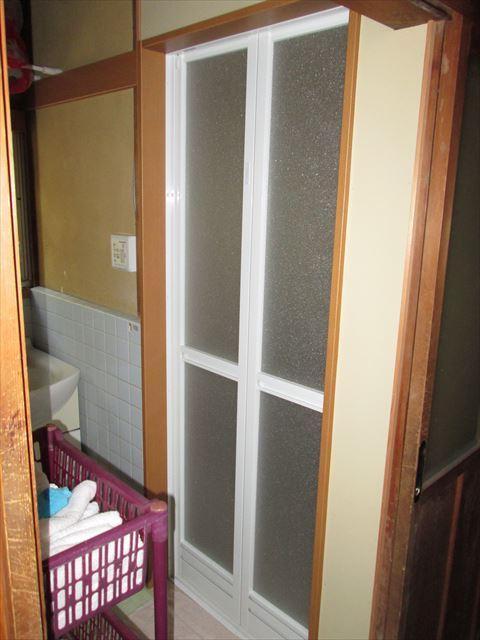 浴室のドア取替え・脱衣所フローリング
