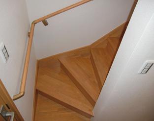 安全な階段へ