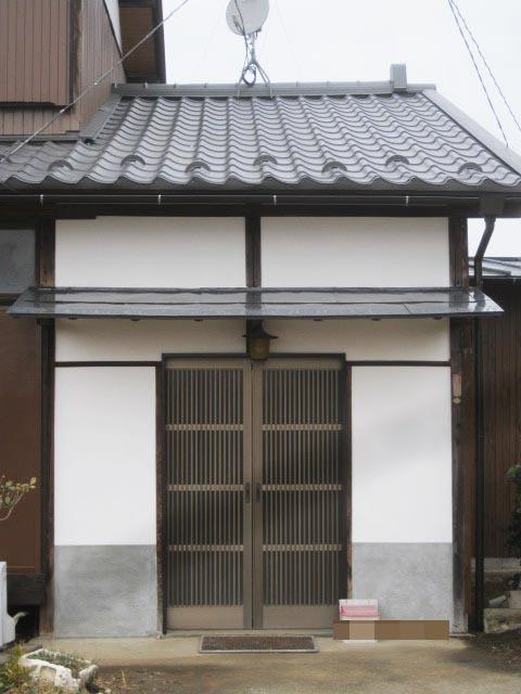 白壁の純和風玄関を新しく