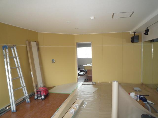 店舗改修。初期投資を抑えて始める事業ーヨガ教室