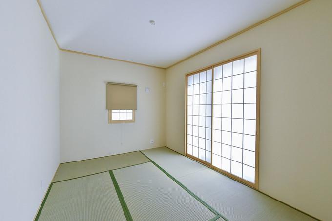 洋室から和室に改装。温かい、なごみの空間に