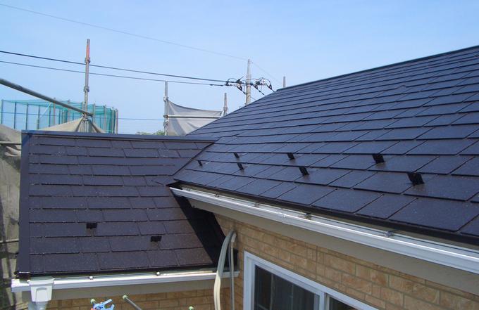 苛酷な環境下でも耐久年数を保持することが可能な屋根用遮熱塗料で一年中快適に。
