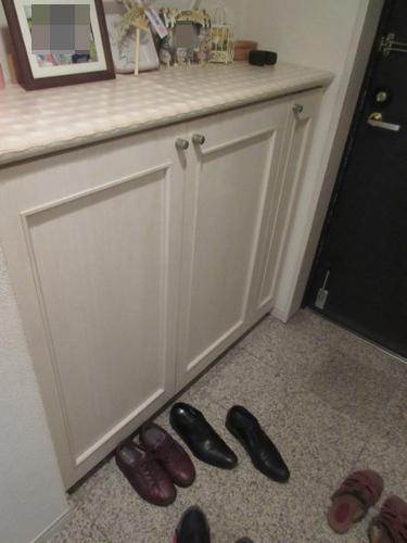 玄関収納は洋室1側にありました。