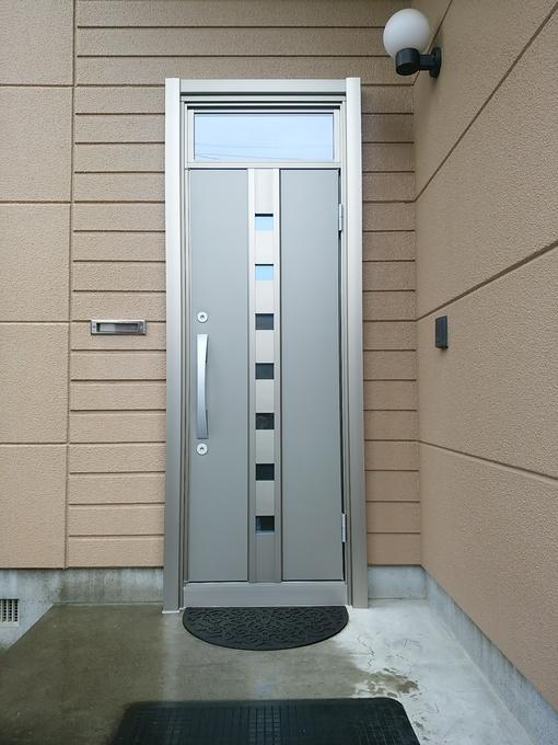 玄関ドアのリフォーム工事