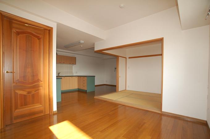 和室の一体感で広々した空間を創造しました!
