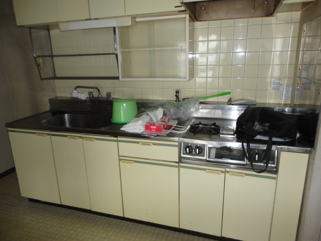 キッチンの交換とフローリングの張り替えをしました!