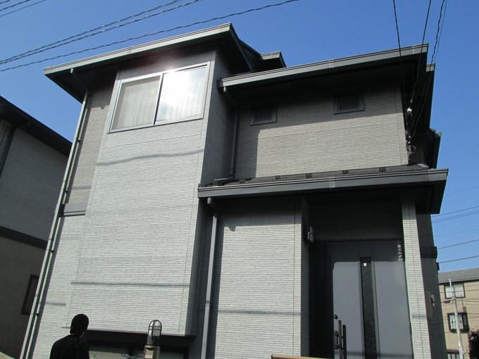 2色で塗り分けて建物のイメージが一新!フッ素塗料で長持ち!