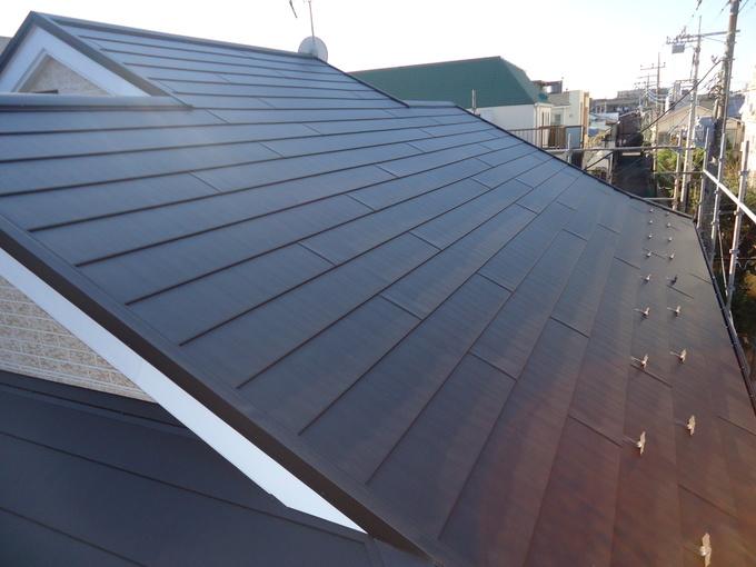ガルバリウム鋼板の外装材で屋根も外壁もいつまでも綺麗!!