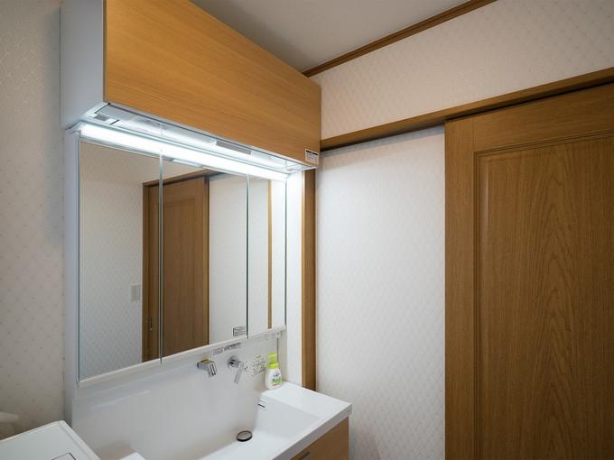 使いやすさと収納を兼ねそろえた洗面化粧台