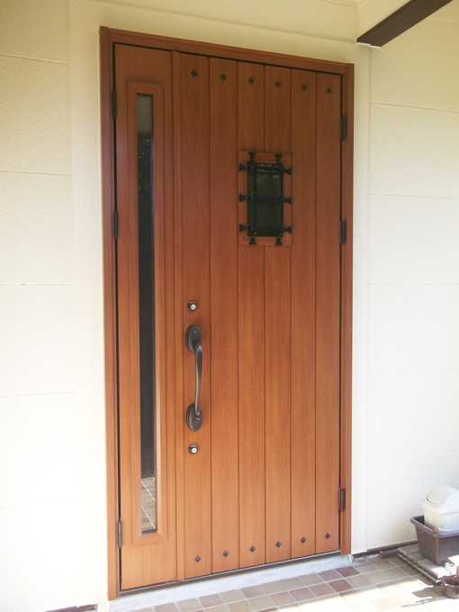 リフォーム玄関ドアに取り替え