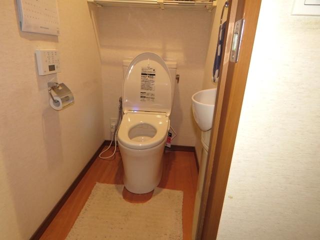 マンションのトイレを「ピュアレストQR&アプリコット」に交換