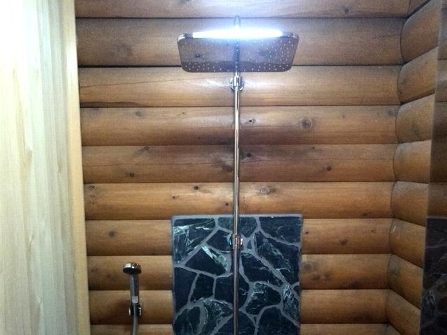 2種類のシャワーとシャワー水栓で新感覚のバスタイム