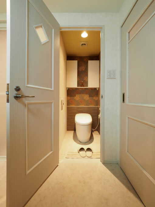 シックなデザインにこだわったトイレ