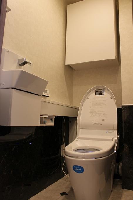 トイレ 壁面 パネル施工