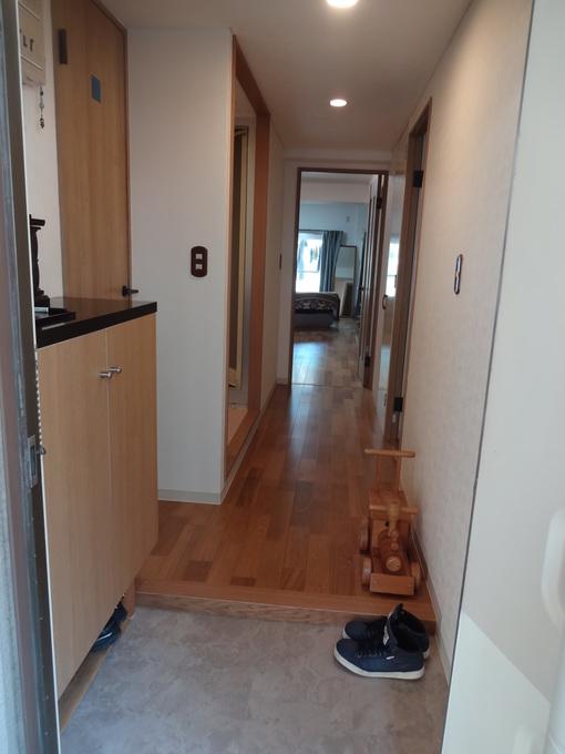 新旧融合した玄関