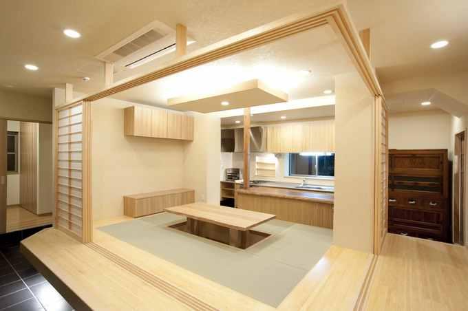 隠れ家的料亭の様な掘り炬燵のある家