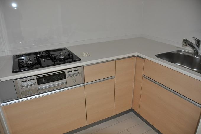 キッチン交換工事を行いました。