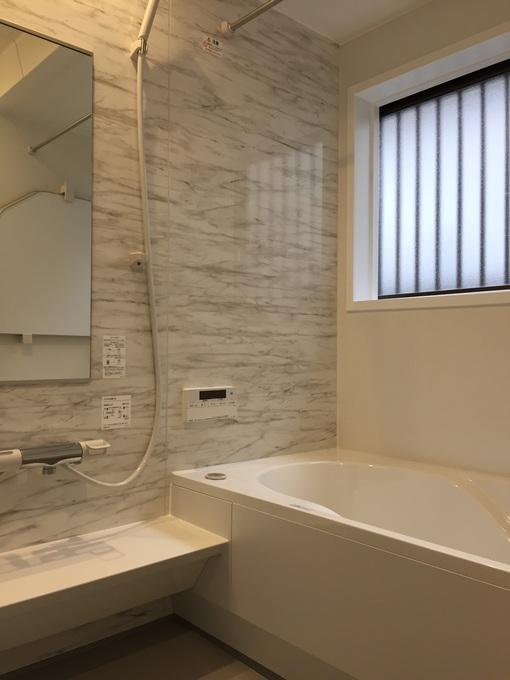 お掃除機能付き浴室