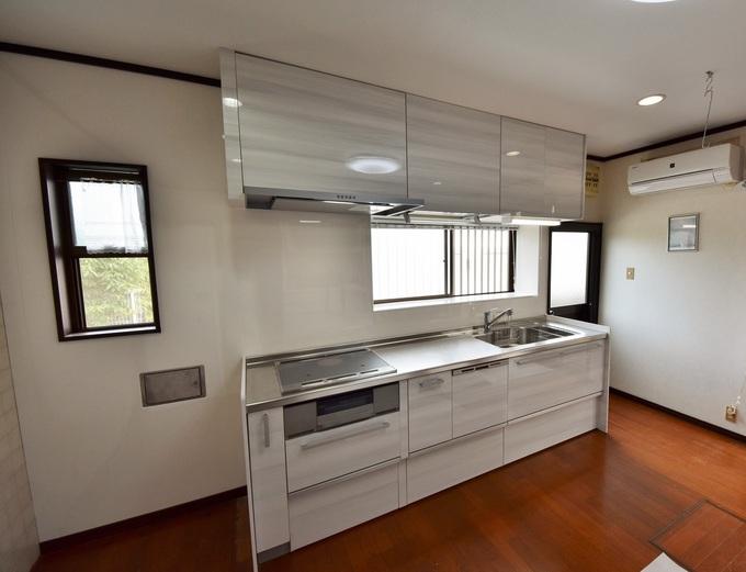 ・IHクッキングヒーター ・スライド収納 ・ムーヴダウン吊戸 ・ビルトイン食洗器 ・スリムレンジフード