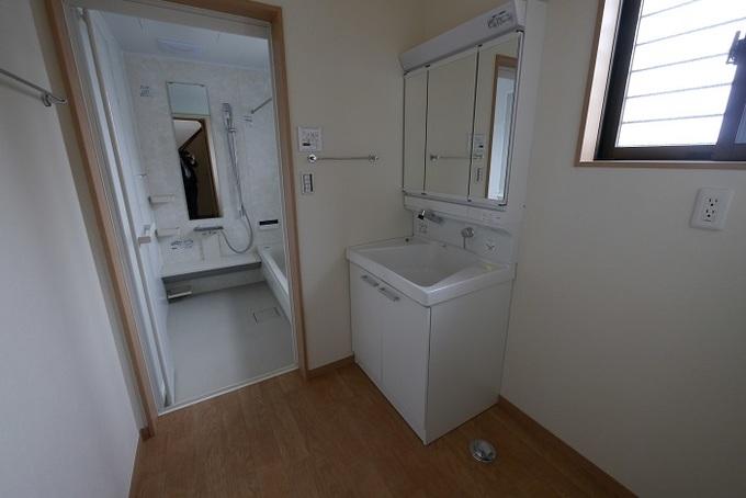 古くなった洗面室のリフォーム