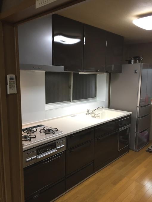 料理作りが楽しくなる収納充実のキッチン