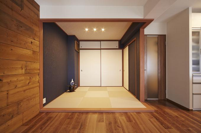 木目調の内装で落ち着いたアンティークテイストの空間