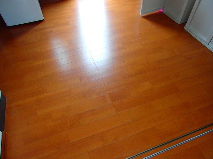 床暖房で足元から部屋全体まで暖かく
