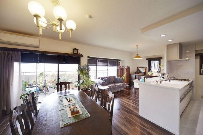アンティーク調の家具が引き立つ空間