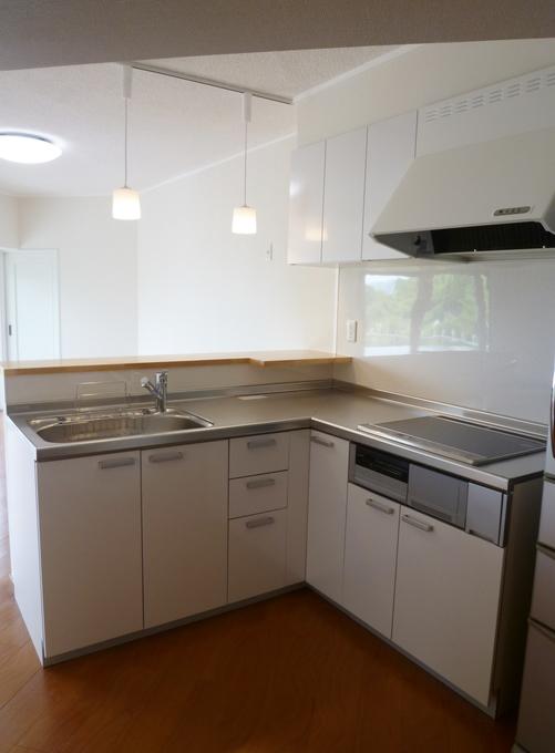 壁付I型キッチンをL型対面キッチンに
