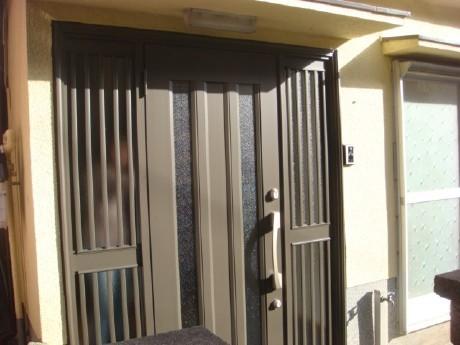 1DAYリフォーム 玄関引き戸から開き戸へ取替