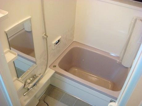 冷たく寒いタイル浴室から快適バスルームへ 浴室編