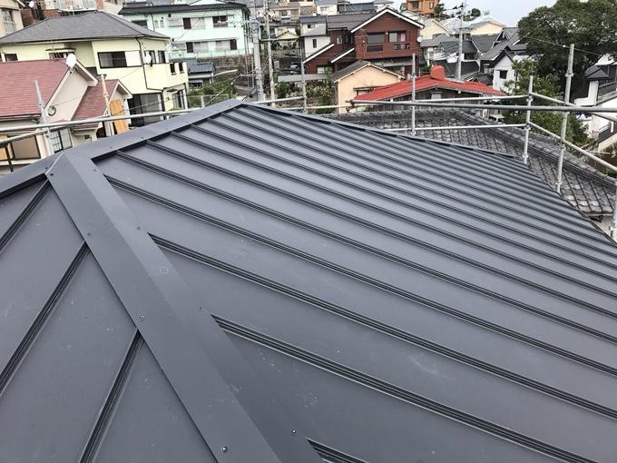 ガルバリウム屋根葺き完成