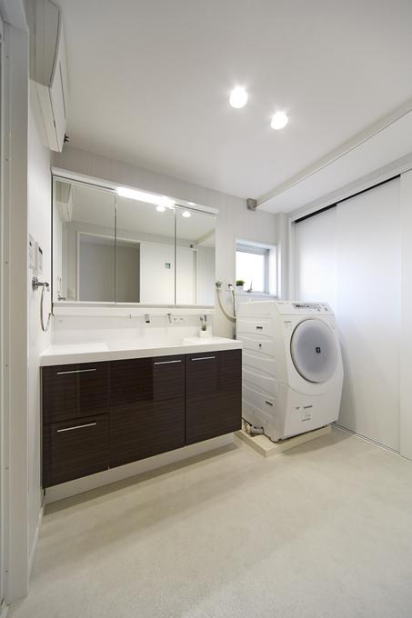 「洗う、干す、仕舞う」が一空間でできるママに嬉しい洗面室