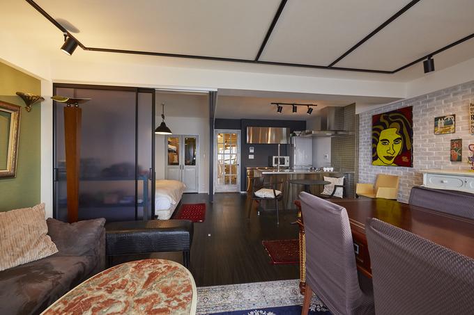 個性溢れる家具とアートが融合するセカンドハウス